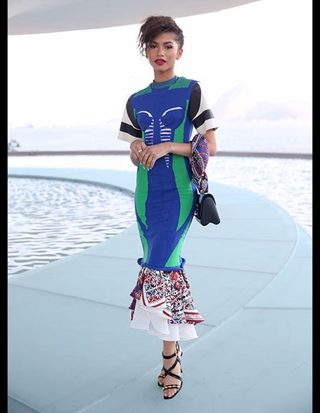 Blue, Shoulder, Joint, Summer, Fashion, Aqua, Street fashion, Electric blue, Sandal, Waist,
