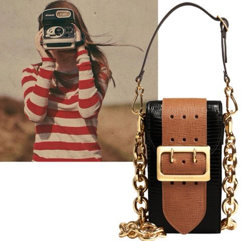 Mobile phone, Bag, Chain, Portable communications device, Cameras & optics, Shoulder bag, Sweater, Gadget, Wire, Craft,