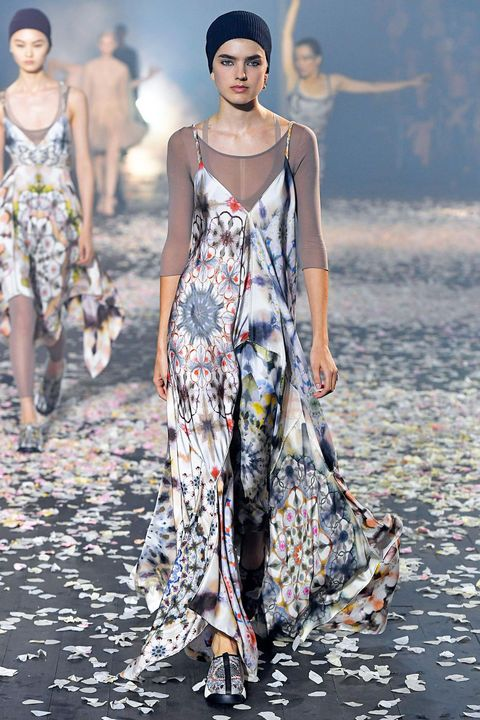 Fashion model, Fashion, Runway, Clothing, Fashion show, Dress, Haute couture, Shoulder, Summer, Spring,