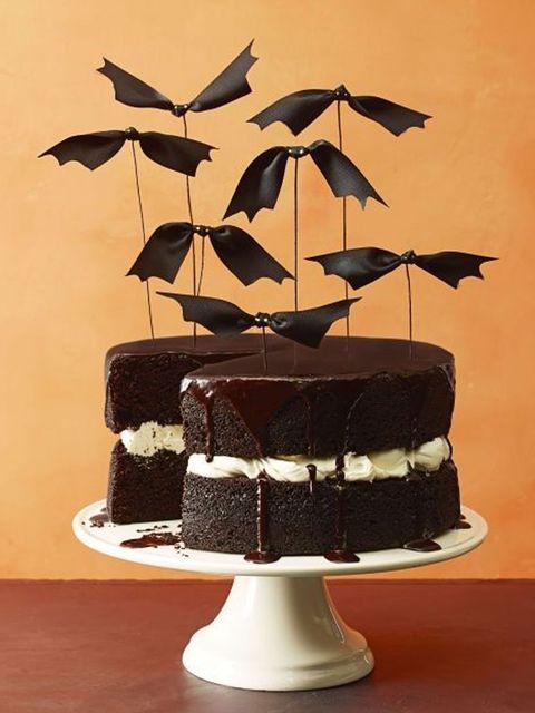 Cake, Chocolate cake, Dessert, Cake decorating, Baked goods, Fondant, Food, Leaf, Sugar paste, Torte,