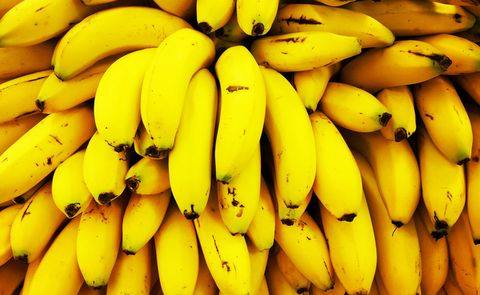 Natural foods, Banana family, Local food, Banana, Saba banana, Cooking plantain, Yellow, Fruit, Food, Plant,