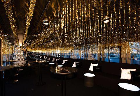 Lobby, Lighting, Light, Ceiling, Architecture, Interior design, Tree, Building, Night, Room,