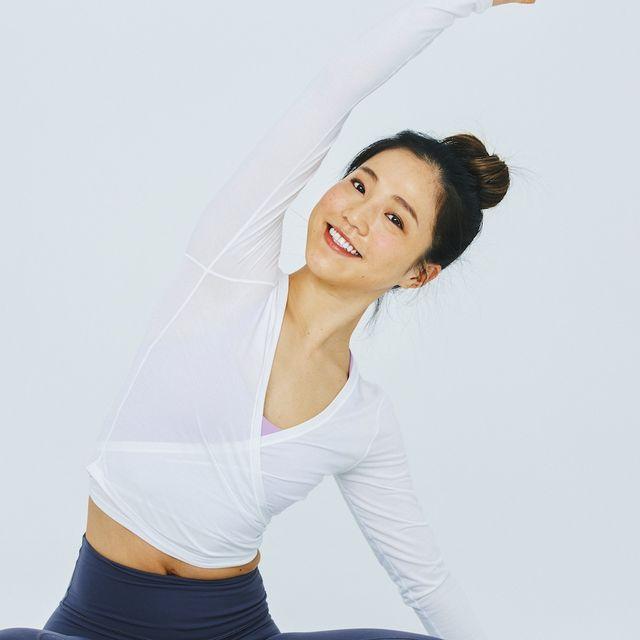 White, Shoulder, Arm, Skin, Beauty, Joint, Abdomen, Elbow, Stomach, Neck,