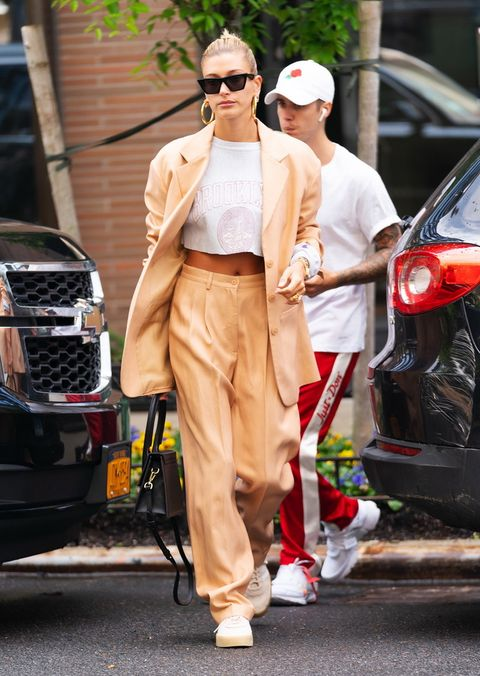 Street fashion, Clothing, Sunglasses, Fashion, Eyewear, Walking, Vehicle, Sportswear, Car, Footwear,