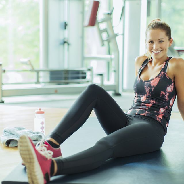 Sportswear, Leg, Thigh, Shoulder, Beauty, Sitting, Blond, Pink, Arm, Physical fitness,