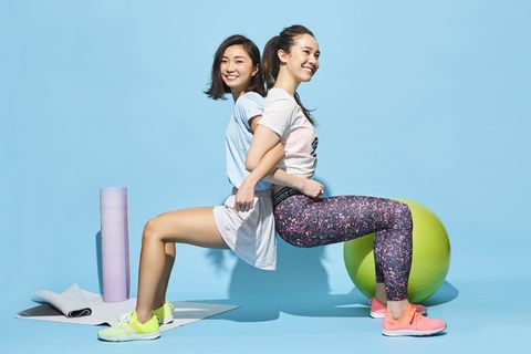 Sitting, Leg, Thigh, Fun, Sportswear, Tights, Leggings, Knee, Physical fitness, Photography,