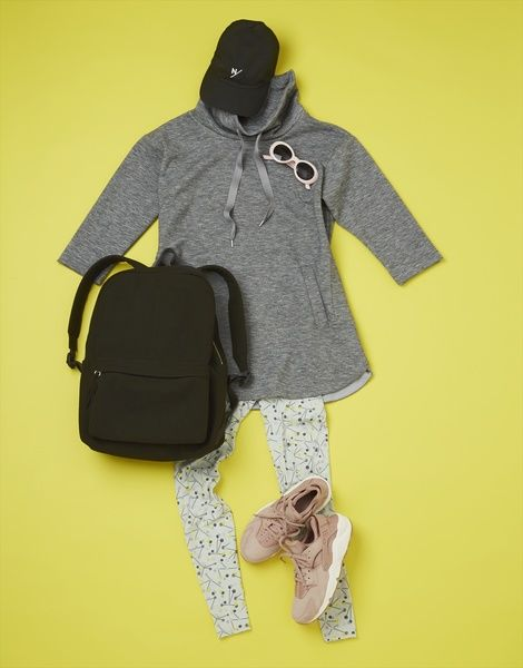 Yellow, Outerwear, Sleeve, Footwear, Bag, Illustration, T-shirt, Shoe, Fashion accessory, Blouse,