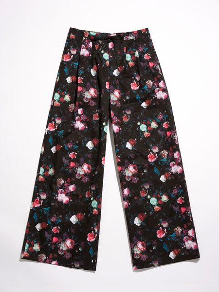 Clothing, Pink, Pajamas, Trousers, Active pants, Leggings, Nightwear, Pattern, Sportswear,