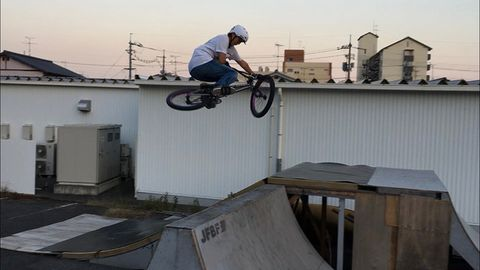 Cycle sport, Freestyle bmx, Bmx bike, Bicycle, Bicycle motocross, Vehicle, Flatland bmx, Extreme sport, Stunt, Sports,