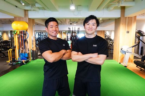 Fitness professional, Arm, Room, Individual sports, Personal trainer, Gym, Physical fitness, Wing chun, Leisure, Sports training,