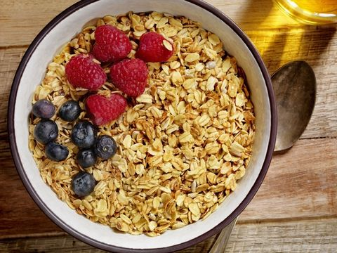 Dish, Food, Cuisine, Breakfast cereal, Meal, Granola, Breakfast, Complete wheat bran flakes, Ingredient, Snack,