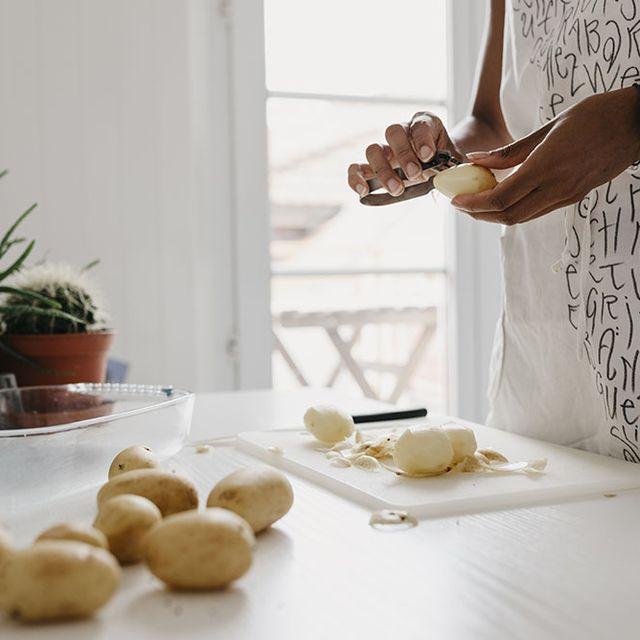 Food, Hand, Cuisine, Table, Dish, Baking, Recipe, Koulourakia, Interior design, Potato,