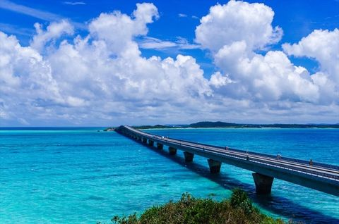 Sky, Blue, Body of water, Sea, Nature, Ocean, Cloud, Daytime, Water, Natural landscape,