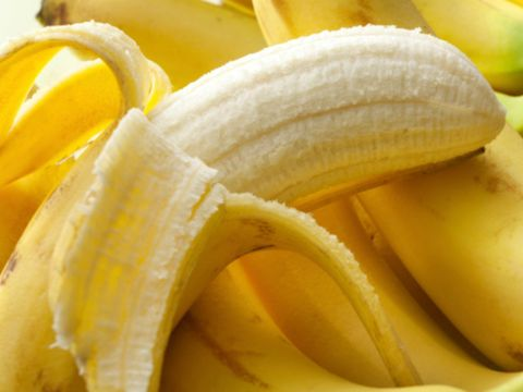 Banana family, Banana, Natural foods, Food, Cooking plantain, Yellow, Fruit, Peel, Saba banana, Plant,