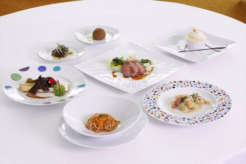 Dish, Cuisine, Food, Dishware, Meal, Ingredient, À la carte food, Plate, Hors d'oeuvre, Tableware,