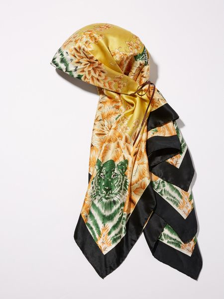 Clothing, Scarf, Stole, Green, Silk, Yellow, Wrap, Fashion accessory, Shawl,