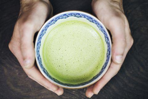 Matcha, Green, Vegetable juice, Aojiru, Drink, Food, Hand, Cup, Juice, Health shake,