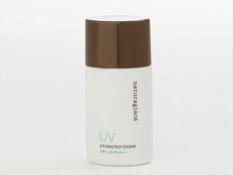 Water, Product, Beige, Fluid, Material property, Liquid, Moisture, Cosmetics, Deodorant,