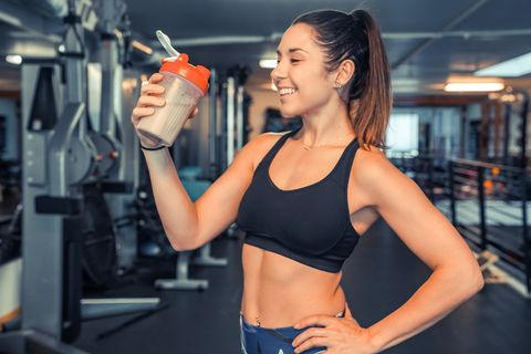 Shoulder, Gym, Physical fitness, Muscle, Abdomen, Fitness professional, Arm, Undergarment, Joint, Room,