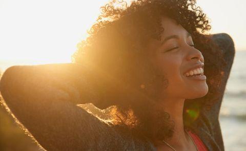 Hair, Face, Facial expression, Skin, Sunlight, Beauty, Light, Nose, Backlighting, Lip,