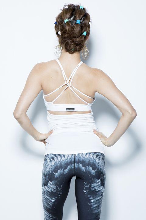 White, Clothing, Shoulder, Waist, Leggings, Skin, Sportswear, Abdomen, Thigh, Leg,