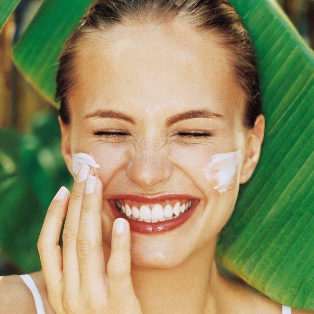 Face, Skin, Hair, Tooth, Smile, Facial expression, Beauty, Lip, Head, Eyebrow,