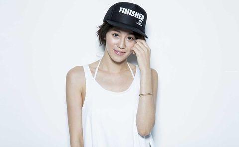 White, Clothing, Cap, Baseball cap, Cool, Fashion, Headgear, Shoulder, Hat, Photography,