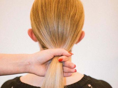 Hair, Hairstyle, Long hair, Hair coloring, Blond, Layered hair, Brown hair, Step cutting,