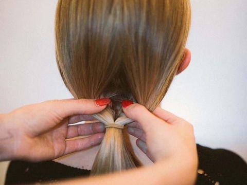 Hair, Hairstyle, Long hair, Hair coloring, Layered hair, Brown hair, Bob cut, Hair tie, Bangs, Step cutting,