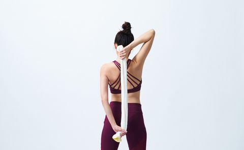 Shoulder, Clothing, Joint, Arm, Leg, Standing, Neck, Back, Human body, Human leg,