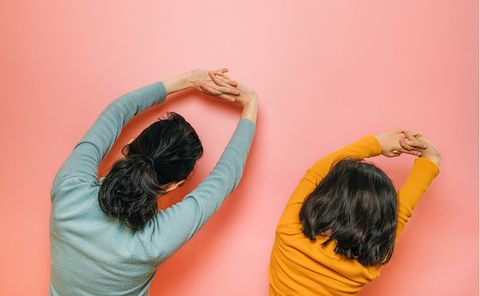 Hair, Orange, Yellow, Shoulder, Arm, Wall, Joint, Textile, Hand, Room,