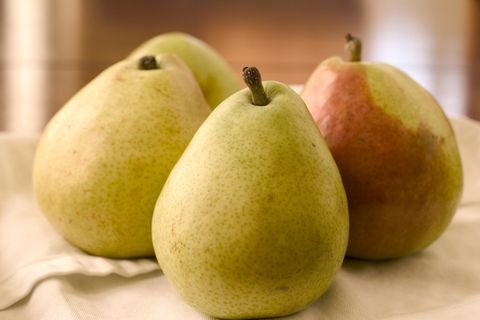 Pear, pear, Fruit, Food, Plant, Asian pear, Natural foods, Tree, Produce, Accessory fruit,
