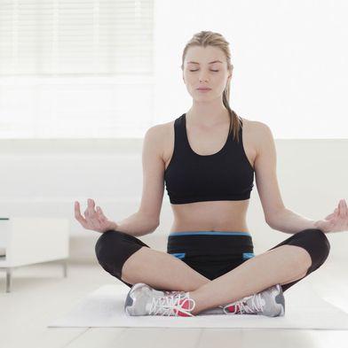 Physical fitness, Sitting, Shoulder, Leg, Arm, Thigh, Joint, Human leg, Yoga mat, Knee,