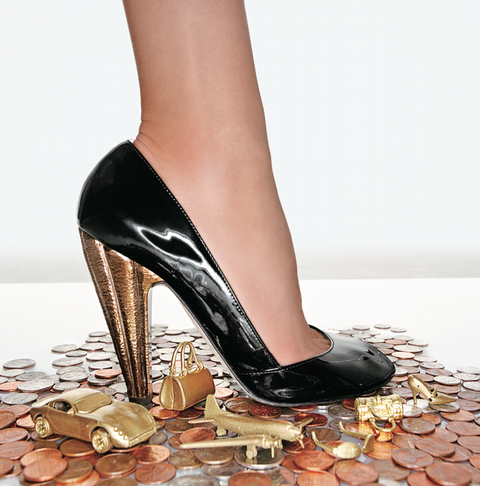mcx-woman-money-shoe