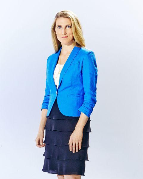 Blue, Sleeve, Collar, Shoulder, Standing, Joint, Outerwear, Human leg, Waist, Style,