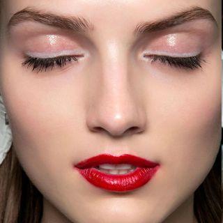 easy makeup  runway beauty trends