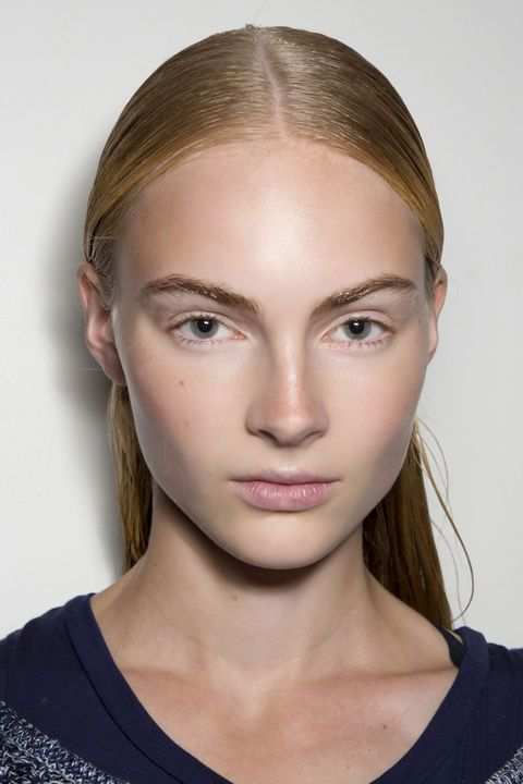 Hair, Head, Ear, Lip, Cheek, Eye, Hairstyle, Skin, Chin, Forehead,