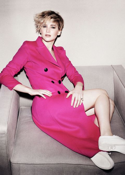 Hair, Face, Hairstyle, Sleeve, Collar, Human body, Comfort, Sitting, Style, Pink,