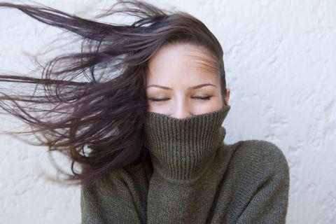 Lip, Hairstyle, Eyebrow, Textile, Eyelash, Beauty, Winter, Wool, Photography, Street fashion,