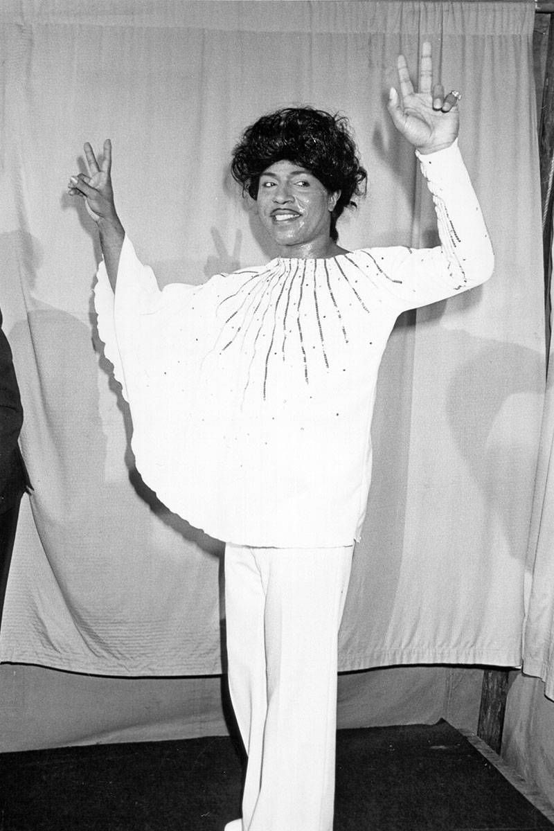 Asymmetrical batwing sleeve? You go, Little Richard.