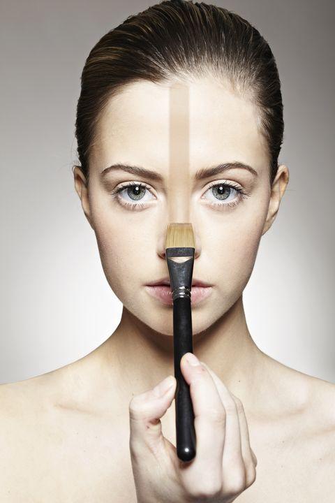 Ear, Lip, Finger, Hairstyle, Skin, Forehead, Eyelash, Eyebrow, Style, Beauty,
