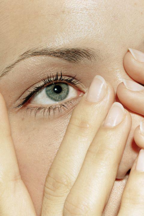 Finger, Skin, Eyebrow, Eyelash, Nail, Iris, Organ, Beauty, Photography, Close-up,