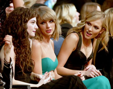 LOS ANGELES, CA - NOVEMBER 23:  (L-R) Recording artists Lorde, Taylor Swift, and model Karlie Kloss attend the 2014 American Music Awards at Nokia Theatre L.A. Live on November 23, 2014 in Los Angeles, California.  (Photo by Christopher Polk/AMA2014/Getty Images for DCP)
