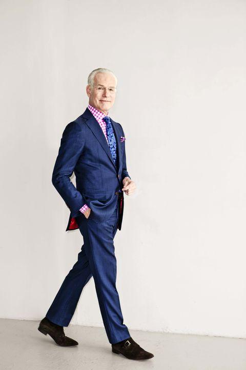 Clothing, Leg, Coat, Dress shirt, Collar, Sleeve, Trousers, Suit trousers, Shoe, Shirt,