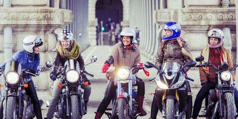 Motorcycle, Land vehicle, Motorcycle helmet, Automotive lighting, Helmet, Fender, Personal protective equipment, Motorcycling, Headlamp, Auto part,
