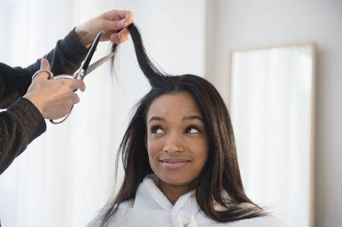 Hairstyle, Collar, Style, Hairdresser, Eyelash, Beauty salon, Long hair, Wrist, Service, Personal grooming,