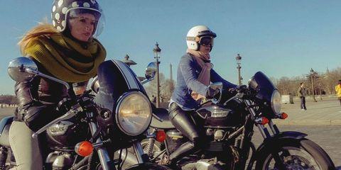 Motorcycle, Land vehicle, Vehicle, Motorcycle helmet, Automotive tire, Helmet, Fuel tank, Automotive lighting, Personal protective equipment, Fender,
