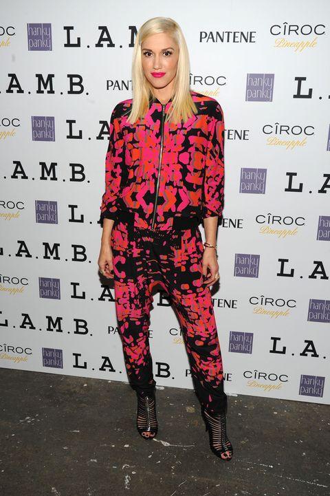 Pink, Style, Purple, Fashion, Pattern, Knee, Street fashion, Magenta, Thigh, Waist,