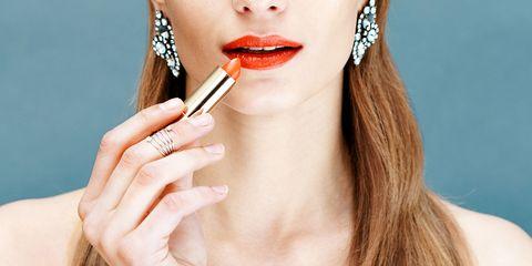 Finger, Lip, Brown, Skin, Hairstyle, Eyelash, Eyebrow, Beauty, Jaw, Nail,