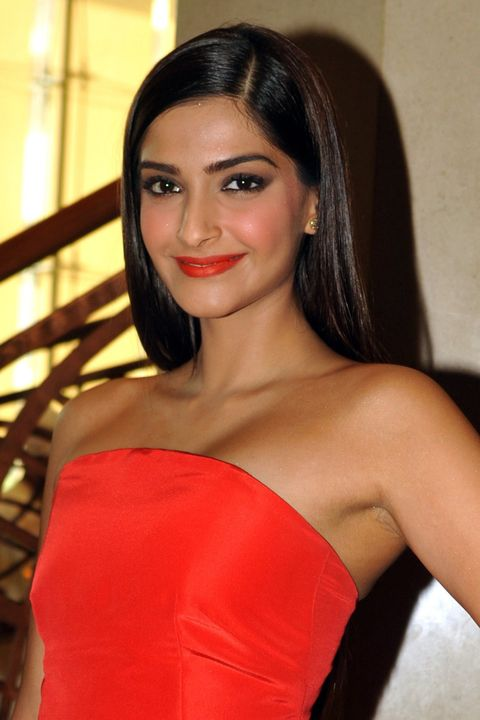 Indian Bollywood film actress Sonam Kapoor poses during the Press Conference 'CIROC FILMFARE Glamour and Style Awards' in Mumbai on February 5, 2015.  AFP PHOTO        (Photo credit should read STR/AFP/Getty Images)